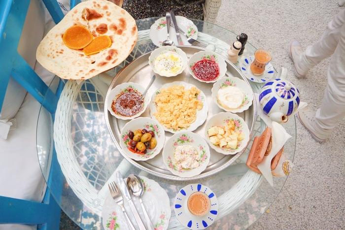 Arabic Breakfast Tray(アラビックブレックファストトレイ)72AED(約2,150円)