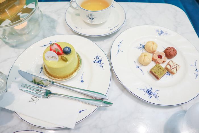 ピスタチオとマスカルポーネのムース 825円 焼き菓子 各110円